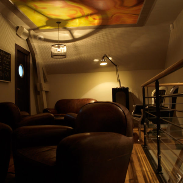 ambiance tapisserie au plafond
