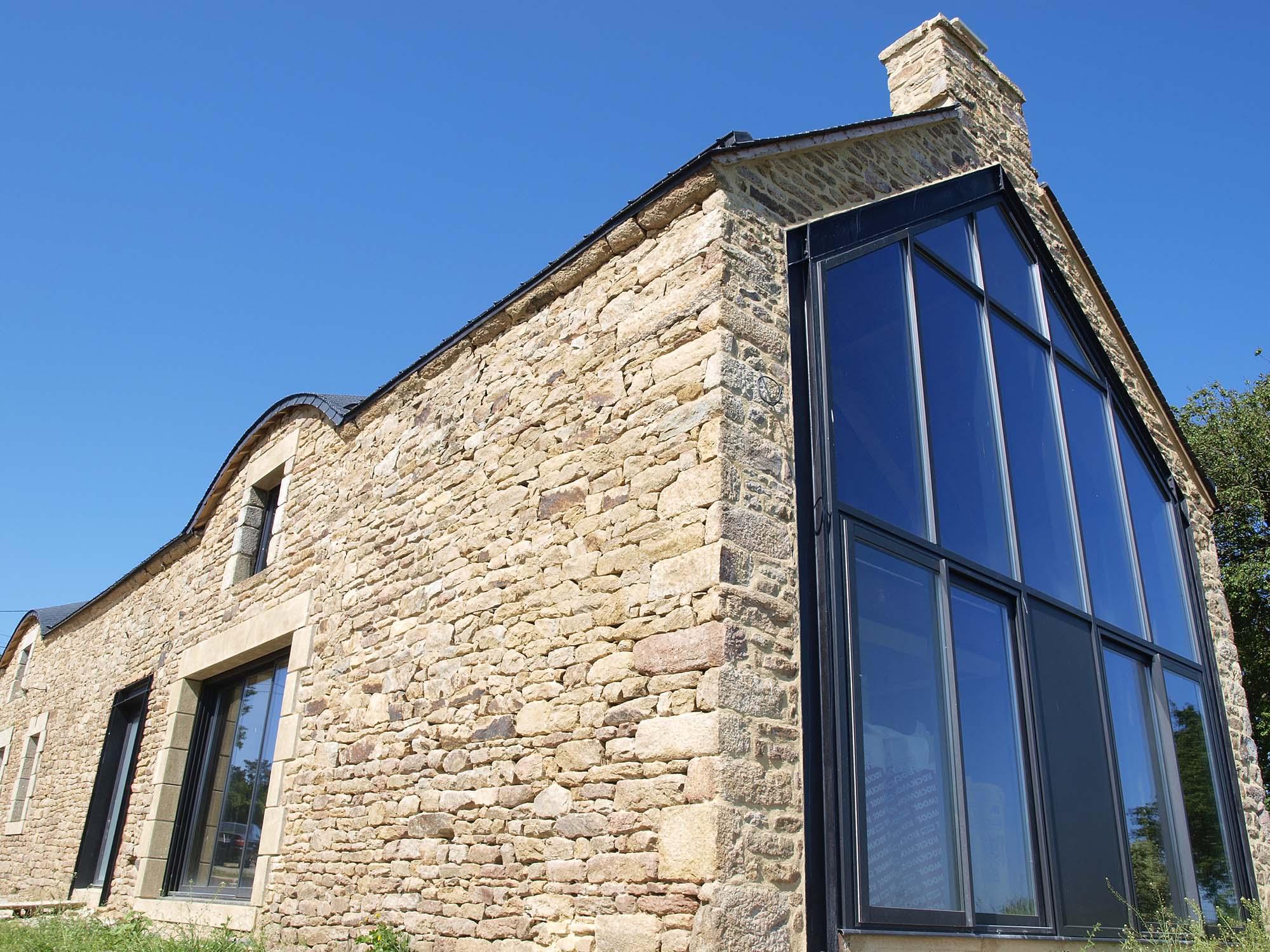 rénovation d'un longère façade vitrée